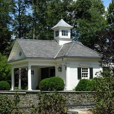 Nice cupola... Carriage/gate house?