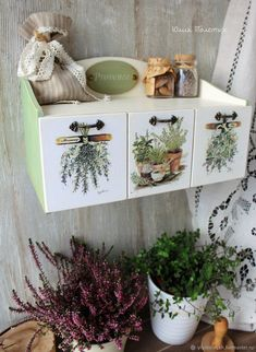 Cool Shelves, French Crafts, Decorative Boxes, Decorative Pillows, Wood Scraps, Decorating Coffee Tables, Diy Wood Projects, Handmade Decorations, Painting On Wood
