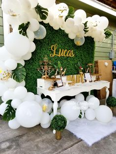 Nothing beats white. Boy Baby Shower Themes, Baby Shower Gender Reveal, Baby Shower Parties, Baby Boy Shower, Safari Theme Baby Shower, Baby Showers, Jungle Theme Birthday, Baby Birthday, Jungle Theme Parties
