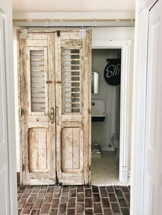 45 Awesome Diy Bathroom For This Summer Ideas – Diy Badezimmer Rv Bathroom, Diy Bathroom Decor, Bathroom Ideas, Boho Bathroom, Bathroom Makeovers, Bathroom Vanities, Bathroom Interior, Master Bathroom, Diy Interior Doors