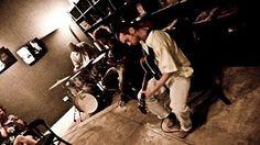 """Dia 20 de agosto o Centro Cultural da Juventude Ruth Cardoso (CCJ) apresenta Onomatopeia Jazz, na Sexta Sonora. A entrada é Catraca Livre. Criado pelo guitarrista e violonista Mario Bakuna há dois anos, o projeto """"Onomatopeia"""" apresenta releituras de obras de grandes nomes do jazz."""