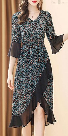 Leopard V-Neck Flare Sleeve Asymmetric Collect Waist Skater Dress - Casual Outfits Stylish Dresses, Casual Dresses, Dresses Dresses, Dress Outfits, Fashion Dresses, Modest Summer Outfits, Trend Fashion, Fashion Brands, Frock Design