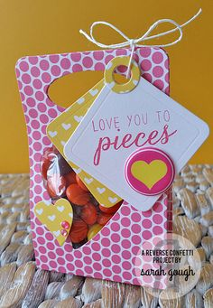 CONFETTI CREATIVE HOP | Reverse Confetti | Valentine's Project | ABC Project | Candy gifties - Reese's Pieces | www.reverseconfetti.com