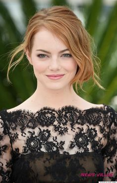 Emma Stone - All Hot HD Photos and Pictures | NewsVillas