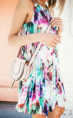 Floral pleated dress.