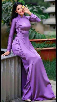20 Beautiful vietnamese women with violet traditional long dresses Beautiful Vietnamese Women, Beautiful Asian Women, Ao Dai, Long Dress Fashion, Vietnamese Dress, Sexy Asian Girls, Traditional Dresses, Asian Fashion, Asian Woman