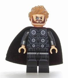 Infinity War Mini Figures Avengers Gauntlet Thor Ant Wasp Thanos Free Gift Bag