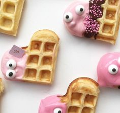 nectar and stone is all about sweet baking for special ocassions and events. Kinder Party Snacks, Snacks Für Party, Party Treats, Cute Breakfast Ideas, Cute Food, Yummy Food, Waffle Pops, Comida Para Baby Shower, Nectar And Stone