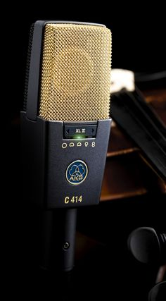 V - Music Producer, Composer, Audio Engineer. Home Recording Studio Setup, Home Studio Setup, Dream Studio, Old School Microphone, Vintage Microphone, Home Music, Home Studio Music, Audio Engineer, Studio Equipment