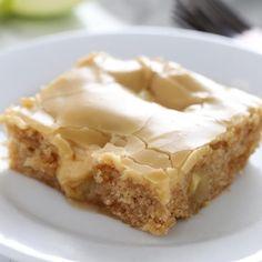 Caramel Apple Streusel Pie Apple Desserts, Fall Desserts, Apple Recipes, Just Desserts, Sweet Recipes, Baking Recipes, Delicious Desserts, Dessert Recipes, Yummy Food
