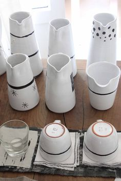 Ceramics, crugs, ... handmade in France, Vendée by Annette van Ryhsen with the potery of Nesmy. www.ana-deman.com