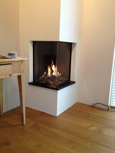 Corner Wood Stove, Corner Gas Fireplace, Brick Fireplace Makeover, Bedroom Fireplace, Modern Fireplace, Fireplace Design, Foyer Decorating, New Living Room, Home Decor Inspiration