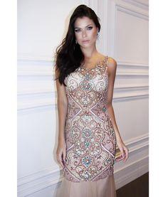 {Quando o vestido é uma verdadeira joia!}💎 Todo bordado com pedrarias! ✨ #LuneeCouture #Handmade #Dress #NewCollection