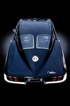 Corvette Stingray - I don't consider this a muscle car. It's a straight up sports car. Stingray Corvette, Sexy Cars, Hot Cars, Chevrolet Corvette, 1962 Corvette, Pontiac Gto, Maserati, Ferrari 458, Automobile