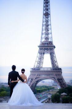 Photograpy: Unison by Takeo Akama Couple Aesthetic, Beautiful Places To Travel, Acrylic Art, Got Married, Engagement Photos, Photoshoot, Weddings, Couples, Luxury