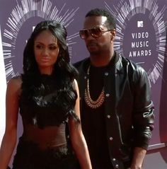 Rapper Juicy J Arrives On Red Carpet at 2014 MTV VMAs With New Girlfriend (PHOTOS)
