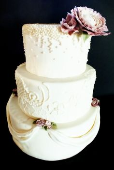 wedding cake by love at first frost