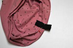 Návod na ušití čepice s mašlí vel.: 46-57 cm (střih zdarma) - SHAPE-patterns.cz Shape Patterns, Sewing Patterns, Fashion Backpack, Decor, Stitching Patterns, Decoration, Decorating, Factory Design Pattern, Dekorasyon