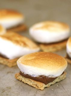 Bite Size S'mores. They are all of the goodness of the messy campfire treat without the bonfire or sticky mess.