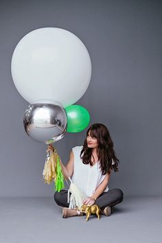 modern party balloons.                                                                                                                                                                                 Más
