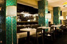 Japanese restaurant MIU by L& Rosa-Viol& Chaise Restaurant, Design Bar Restaurant, Restaurant Themes, Modern Restaurant, Restaurant Offers, Restaurants Gastronomiques, Barcelona Restaurants, Cafe Bar, Cafe Interior