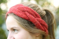 DIY Headband knitted with cables www.kretido.com Diy Headband, Knitted Headband, Knitting, Crafts, Craft Ideas, Fashion, Moda, Manualidades, Tricot