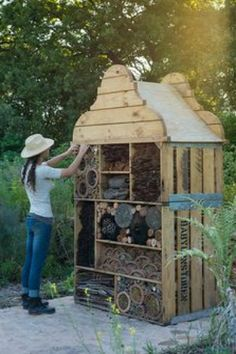 Bohemian Pages: DIY Friday - The Insect Hotel - place for good insects to thrive from old palettes