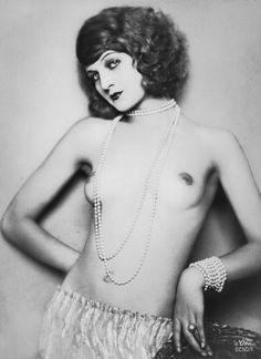 Kaja Marquita, photographed by Madame d'Ora.