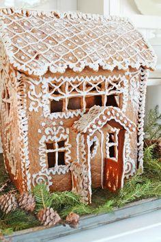 VIBEKE DESIGN: Ekte pepperkakeglede!y fantastic gingerbread house.....