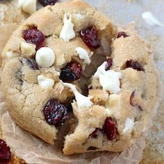 Thick and Chewy White Chocolate Cranberry Cookies // wanna try and make these w/out all that extra sugar. white chocolate is already super sweet! Best Christmas Cookies, Holiday Cookies, Christmas Desserts, Christmas Goodies, Holiday Treats, Christmas Baking, Christmas Recipes, Holiday Recipes, Christmas Tea