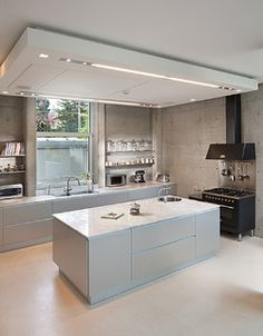 25 Modern Kitchen Ceiling Design For Amazing Kitchen Decoration Ideas Kitchen Ceiling Design, Kitchen Ceiling Lights, Interior Design Kitchen, Ceiling Lighting, Bulkhead Ceiling, Pendant Lighting, Industrial Kitchen Island, Kitchen Island Lighting, Big Kitchen