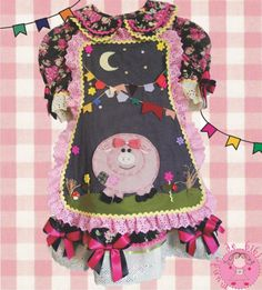 vestido caipira infantil 2 anos - Pesquisa Google Apron, Women, Fashion, Hillbilly Party, Hand Applique, Places, Needlepoint, Dressmaking, Caipirinha