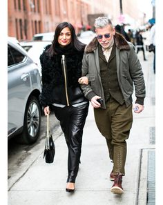 We love Nick Wooster! Nick Wooster, Fashion Art, Girl Fashion, Mens Fashion, Military Looks, Military Style, Fashion Couple, Well Dressed Men, Military Fashion
