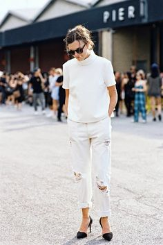 white-on-white // funnel neck top, ripped jeans & black pumps #style #fashion #streetstyle