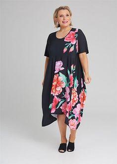 Plus Size Women's Clothing in Australia Plus Size Womens Clothing, Clothes For Women, Mode Plus, Taking Shape, Flattering Dresses, Kimono Top, Chelsea, Elegant, 24 Online