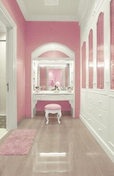 Elegant Makeup Room Checklist & Idea Guide for the best ideas in Beauty Room decor for your makeup vanity and makeup collection. My New Room, My Room, Dorm Room, Armoire Rose, Pink Closet, White Closet, Pink Room, Pink Houses, Dream Closets