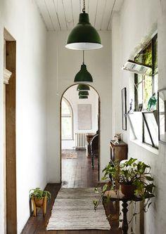 The home of artist Saskia Folk. Photography Derek Swalwell.