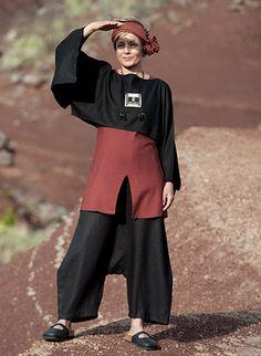 Amalthee Creations. Layered: black linen sarouel ( harem pants) and kimono style top