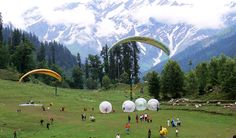 Manali is the most popular, beautiful hill station in India. The mesmerising views, gigantic hills, woody forests have always been attracting tourists from all over India.