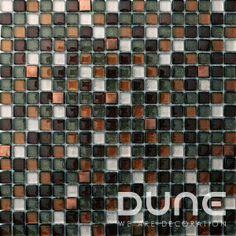 Mosaico de mezcla de cristal e inox en tonos cobrizos con destellos de purpurina. iridiscencias.#duneceramica #diseño #calidad #diferenciacion #creatividad #innovacion #tendencia #moda #decoracion #design #quality #differentiation #creativity #innovation #trend #fashion #decoration #duneemphasis #mosaico #cristal #inox #mosaic #glass http://www.dune.es/es/products/emphasis-mosaico/materia-mezcla-de-materiales/cassiopeia/186354