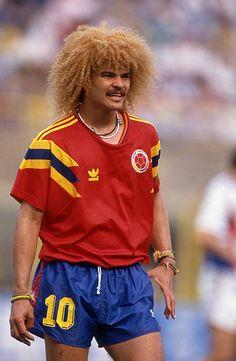14 June 1990 FIFA World Cup Yugoslavia v Colombia Carlos Valderrama captain of Colombia Pure Football, Football Icon, Retro Football, Football Design, World Football, Soccer World, Vintage Football, Football Soccer, Football Shirts