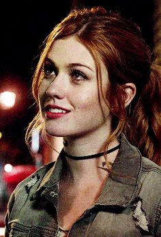 Katherine McNamara Gif Hunt Under the cut are 462 textless mostly hq small/medium gifs of Katherine McNamara. I do not own any of these gifs and will happily credit the creators or remove the gifs. Katherine Mcnamara, Shadowhunters Tv Show, Shadowhunters The Mortal Instruments, Katherine Pierce, Cassandra Clare, Pokerface, Isabelle Lightwood, Clary Fray, Veronica Roth