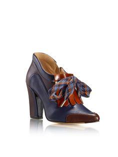Outono Inverno 15/16 JJHeitorShoes by Katty Xiomara Heeled Mules, Heels, Fashion, Fall Winter, Heel, Moda, Fashion Styles, Shoes Heels, Fasion
