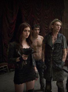 83. Clary, Jace & Simon