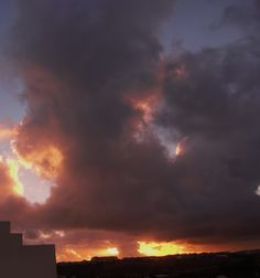 Desde las Islas Canarias  ..Fotografias  : Previous sunset with storm clouds in Maspalomas