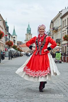 Polish girl in folk dress. | Poland ✿