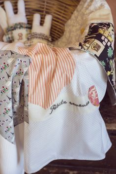 Bunnies & Paris-inspired eco-baby bedding - whispers Little Dreamer in French