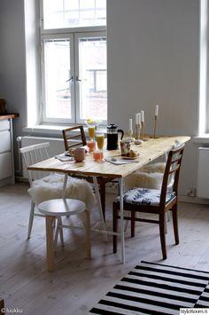 keittiö,olohuone,artek,ikea,diy ruokapöytä,kierrätyskeskus