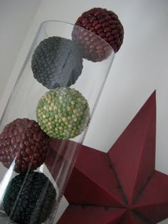 Or how about some bean-covered decorative balls? Think I'd like to try some coffee beans...wouldn't that smell yummy??