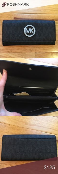 🎀NEW🎀MIchael Kors Fulton Flap Wallet 🎀NEW🎀MICHAEL KORS FULTON FLAP WALLET.  See matching Grayson Satchel❌no trading or holding❌PLEASE DONT WASTE MY TIME OR YOURS W/ LOWBALL OFFERS Michael Kors Bags Wallets